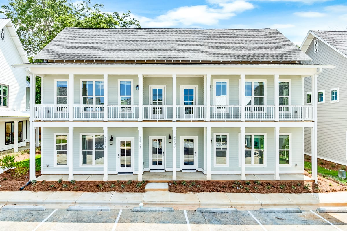 Avenue Auburn - Student Housing, Cottages, Pet Friendly